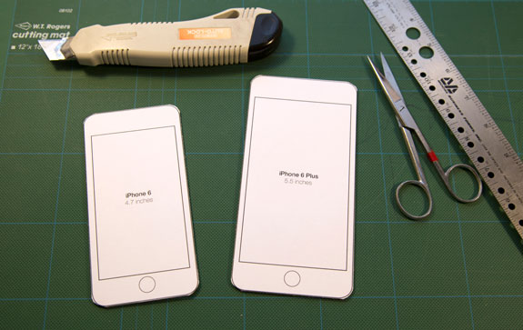 iphone-templates-on-cutting-board